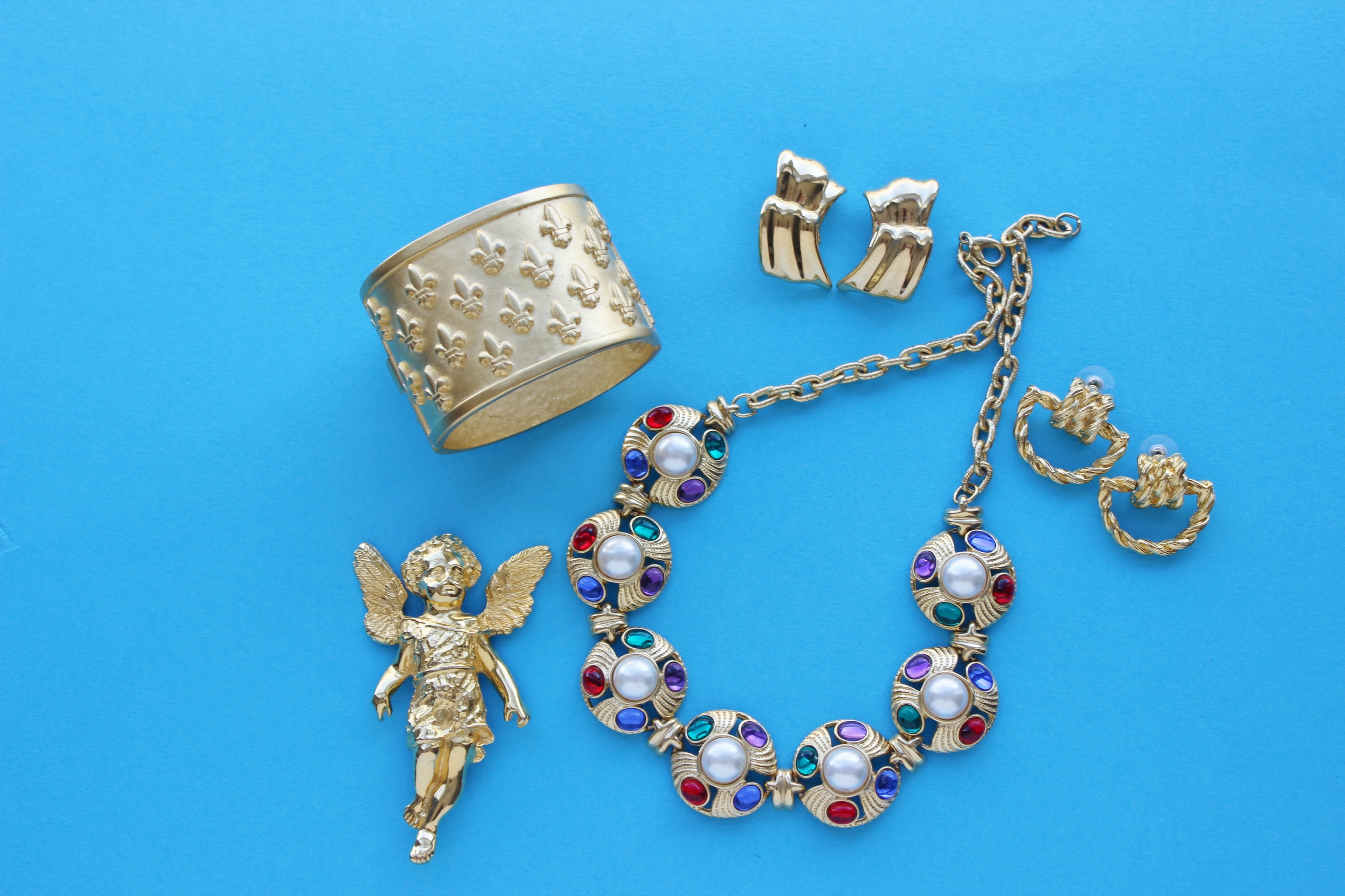 Why 1980s And Early 1990s Vintage Costume Jewelry Is The Next Hot