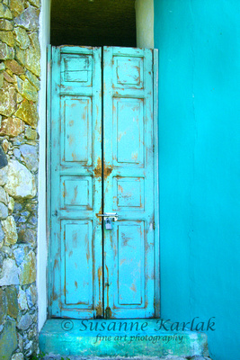Susanne Karlak, Fine Art Photography: PICTURES AT ART SHOWS &emdash; Turquoise Door #5329