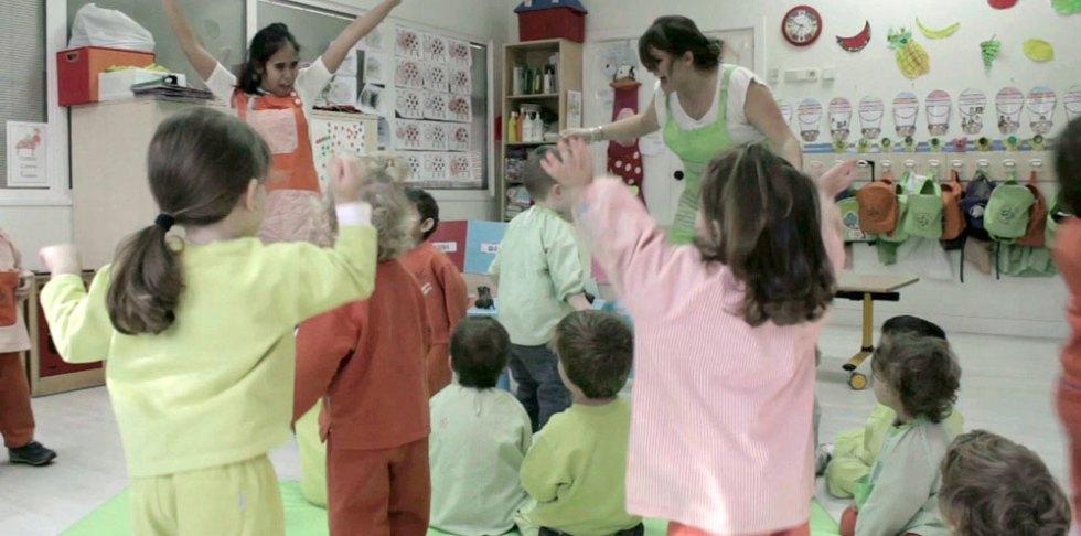 asamblea-aula-frances-les-petits-pas