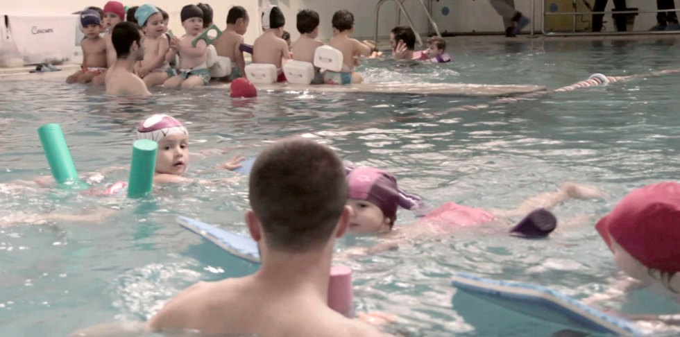 Swimming Pool Sus Pequeños Pasos