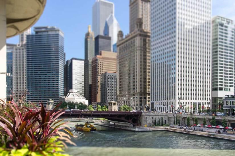Chicago - River Walk and State Street bridge