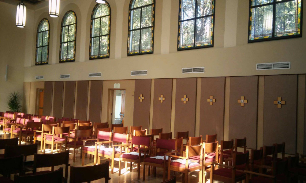 decor-flat-panels-church-wall