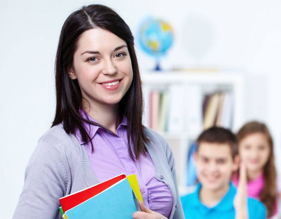 Get Job Offers From The Top Montessori Schools With The Right Training!