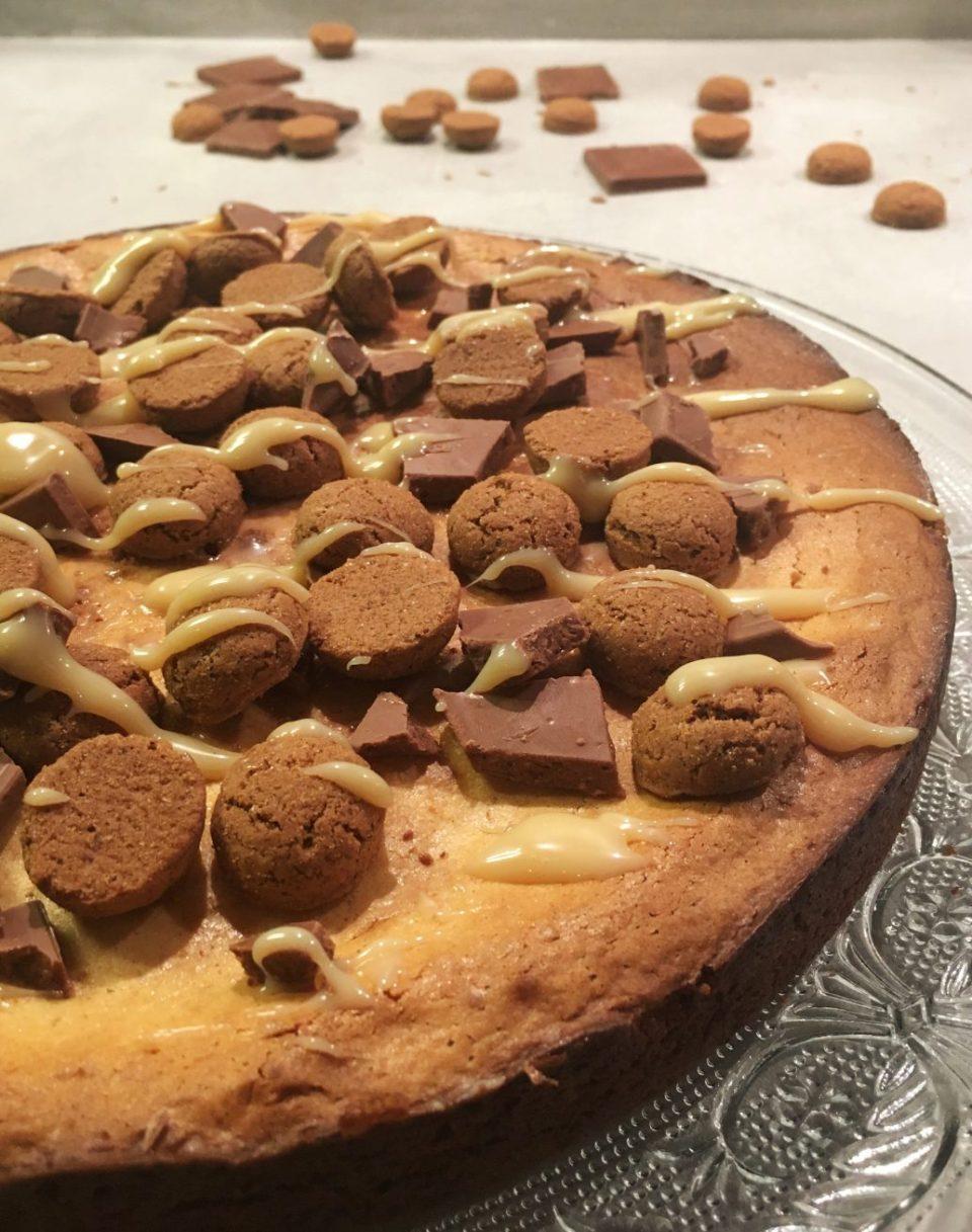 Pepernoten cheesecake met witte chocolade