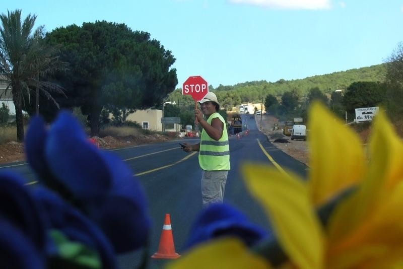 Besuch bei Tante in Ibiza: Unterwegs im Hippiebus