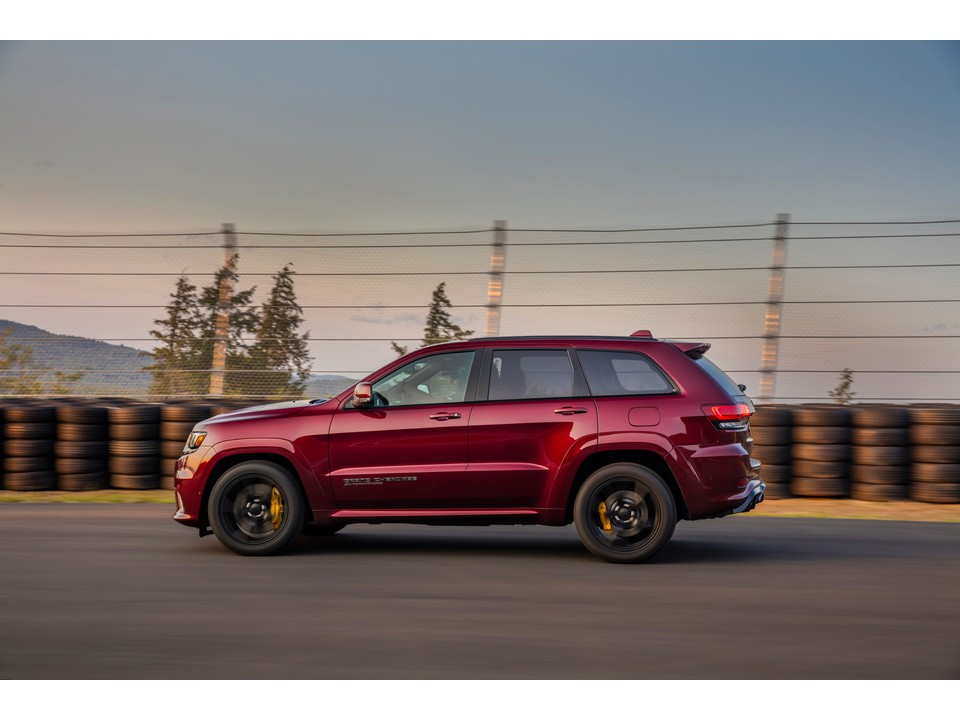 2020_Jeep_Grand_Cherokee_mid_size-suv