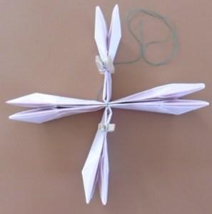 Lotus bloem een kruis van maken