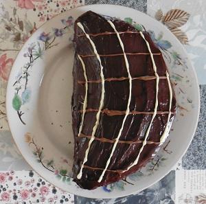 Chocolade taart met eigeel maan