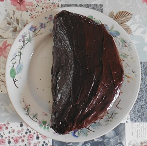 Chocolade taart met glazuurlaag