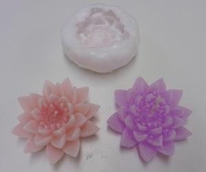 Silicone malen lotus bloem met gemaakte kaars