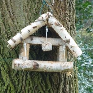 vogelvetbollen-maken-ophangen