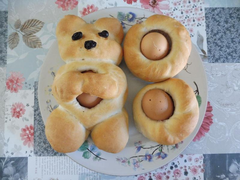 paasbrood met ei