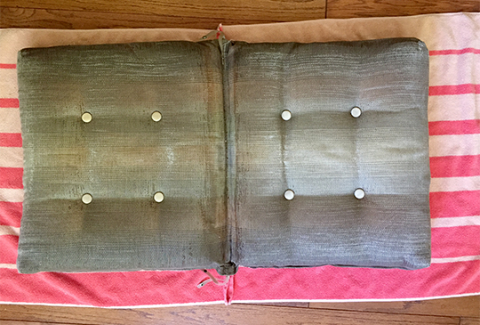Towels give new life to old cushions
