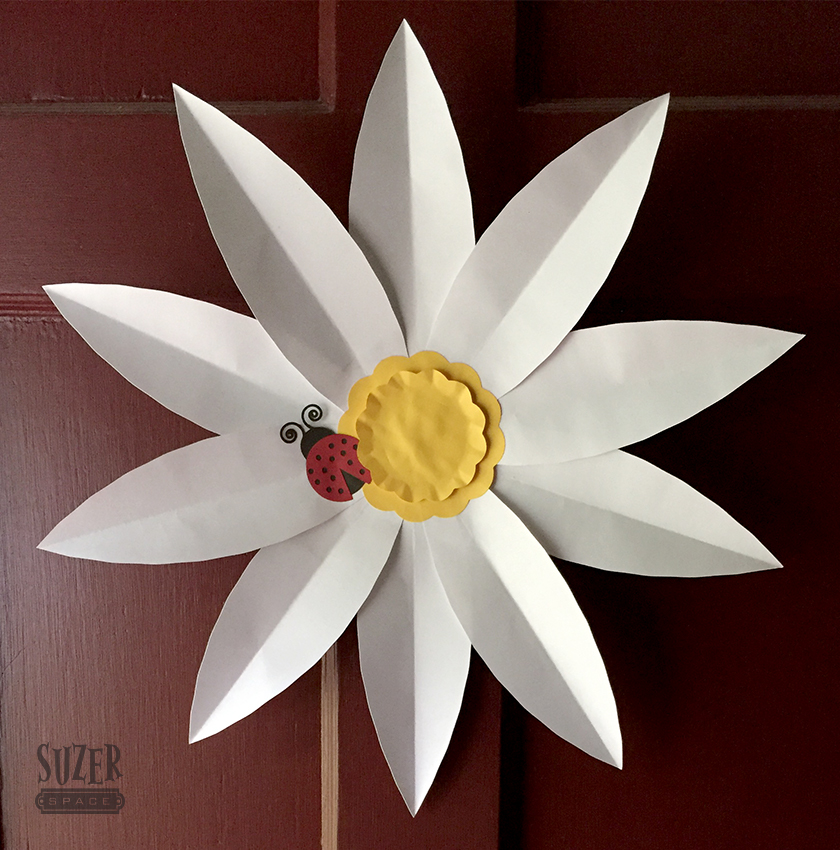 Oversize Daisy Decoration