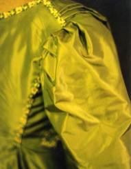 Back robe detail