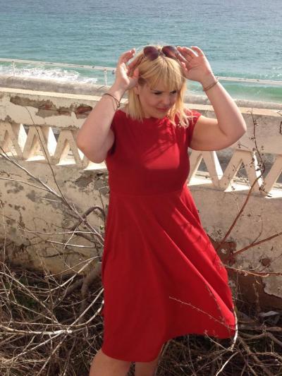 liz red dress