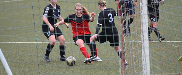 Die Bilder vom Spiel der Damen am 03.04.2016 - Fußballverein im Saarland