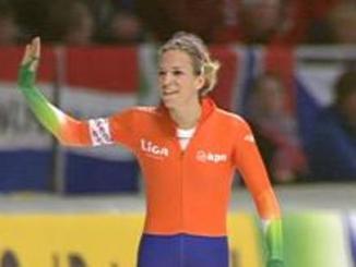 Annette_na_1e_500_meter_WK_afstanden_2011_Inzell