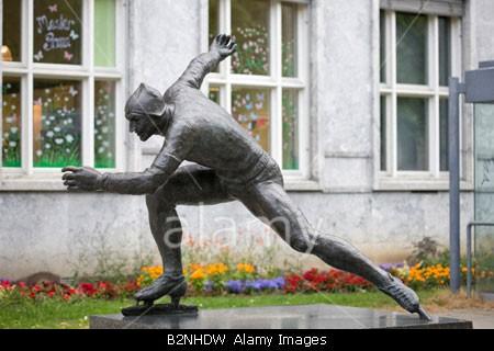 standbeeld Hjallis