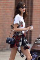 how to wear chanel handbag like a true stylish european