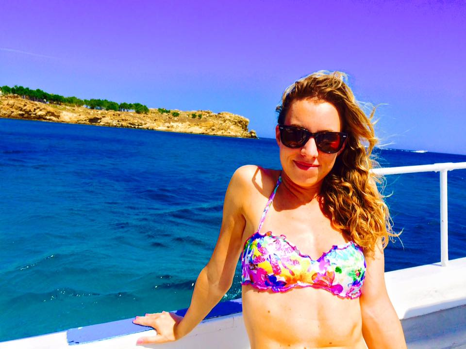 Travel Guide to Mykonos_What to do_Where to Stay_Mykonos Island_Greece_3 day itinerary_blog_Water taxi_paradise beach to psarou_how to get around mykonos_ocean_calzedonia