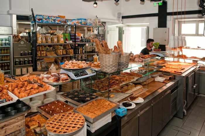 Il-forno-di-Gerasimou-Mykonos-interior-photo-from-the-bakerys-website