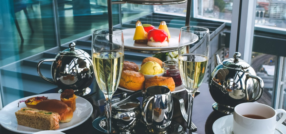 aqua shard champagne afternoon tea Travel guide to london uk blog what to do what to see where to go 3 days-19
