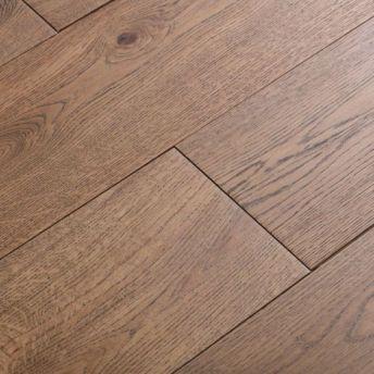 up-close-wire-brushed-hardwood-floor-svb-wood-floors-kansas-city