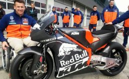 103015-ktm-rc16-motogp-bike-f-633x388