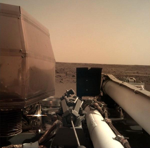 Insajt stigao na Mars - prva fotografija 3