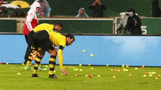 Borussije bacali teniske lopte