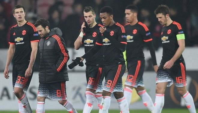 United će kazniti svoje igrače ako ne izbore Ligu prvaka!