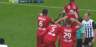 Igrač Lyona Marcelo dobio najbizarniji crveni