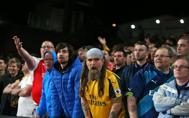 Bijesni navijači Arsenala poručuju zvijezdi kluba: Idi u Kinu!