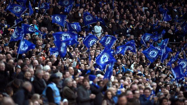 Svi im se smiju: Navijači Chelseaja se izblamirali u utakmici protiv Huddersfielda
