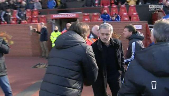 Mourinho objasnio zašto je se rukovao s Conteom
