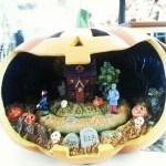 Today's moment of Halloween.  Jacko'lantern music box