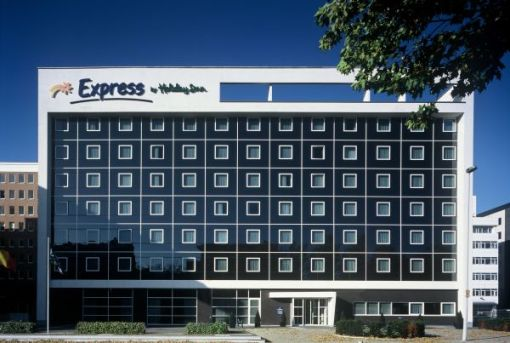 HOLIDAY INN EXPRESS ANTWERPEN STAD-NOORD<br><span style='color:#31495a;font-size:12px;'>Nieuwbouw Hotel, interieur</span>