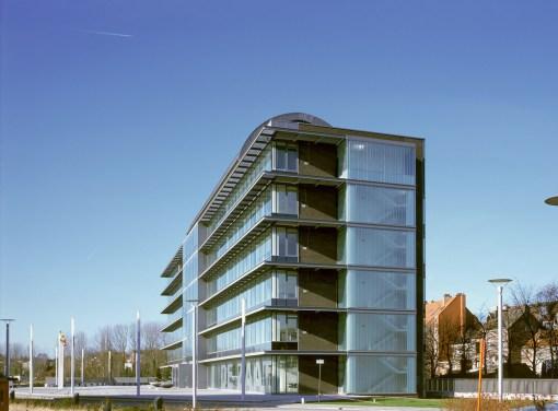 DE ZAAT<br><span style='color:#31495a;font-size:12px;'>Bâtiment et bureaux centre administratif </span>