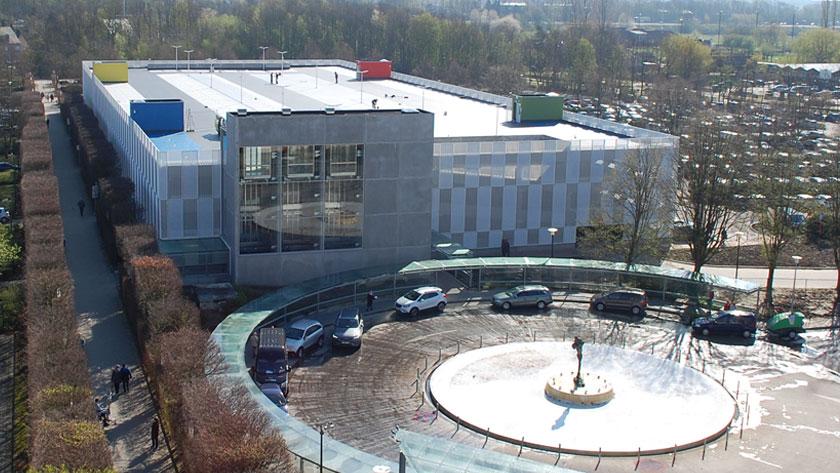 UZA neemt parkeertoren van drie verdiepingen in gebruik