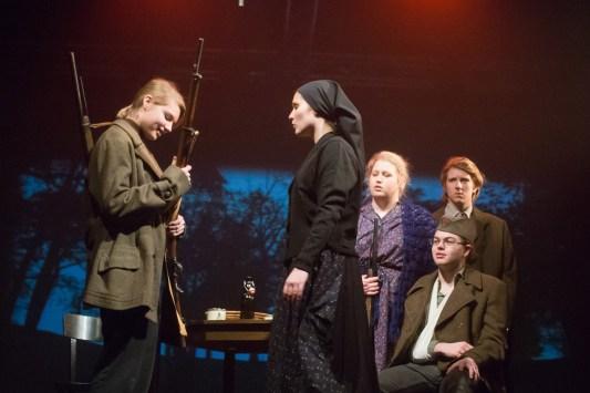 MATI MATI (Mati Korajža in njeni otroci Bertolta Brechta in Mati Mileta Klopčiča), Dijaki SVŠGL, dramsko-gledališke smer, 4.2.2015