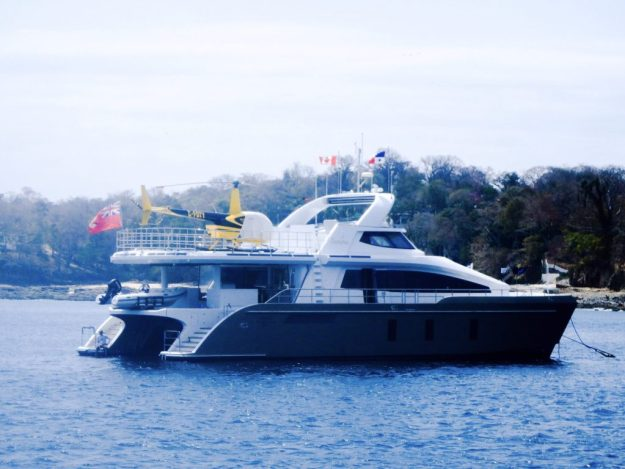 Samara yacht has its own helicopter