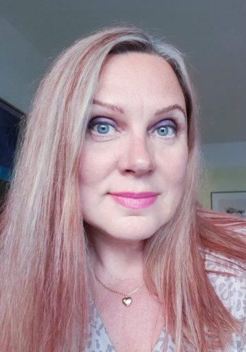Eva Bellen on Nõia 13 -lastenkirjan kirjoittaja ja Mikkelin Eesti Keskuksen toiminnanjohtaja.