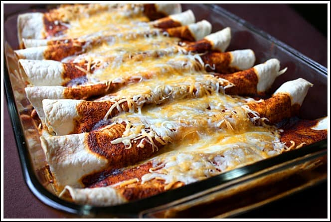 Chicken-Enchiladas-from-GimmeSomeOven.com_