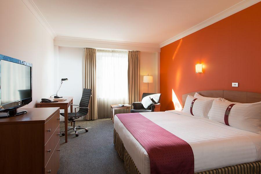 Holiday Inn Darling Harbour Sydney