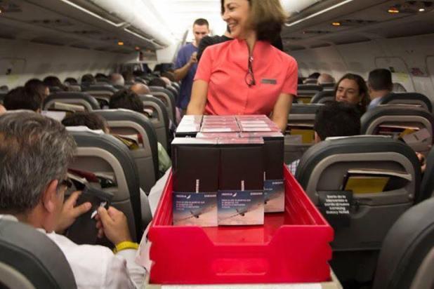 بالفيديو : سامسونج توزع نسخ مجانية من هاتف نوت 8 فوق السحاب