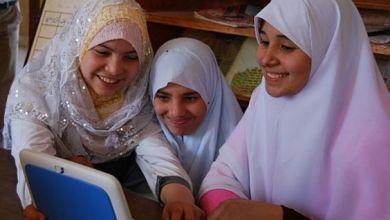 إنتل تستكمل مبادرتها لنشر 8000 كمبيوتر في المدارس المصرية 4