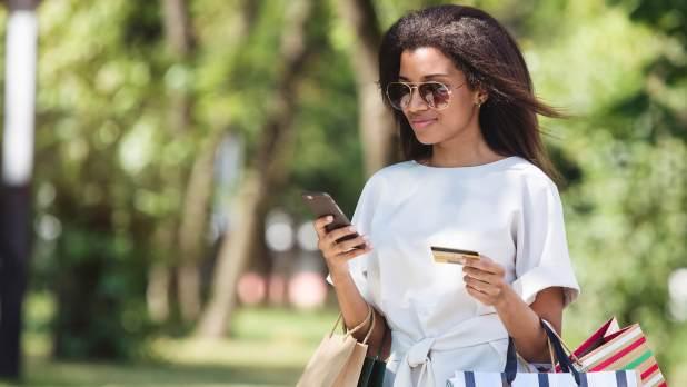 consumer-customer-mobile-shopping
