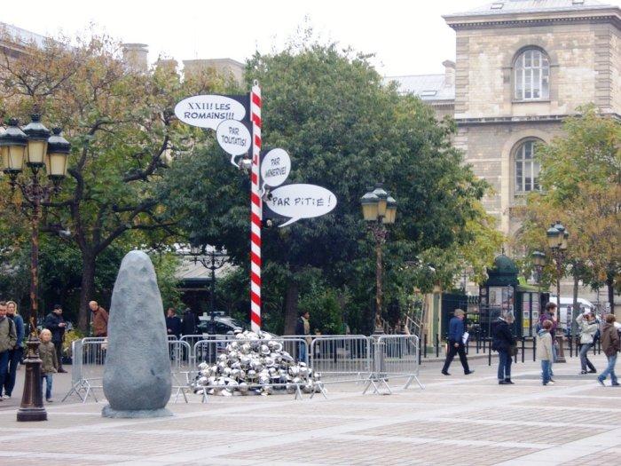 Casques Romains - Place Louis Lépine - Paris