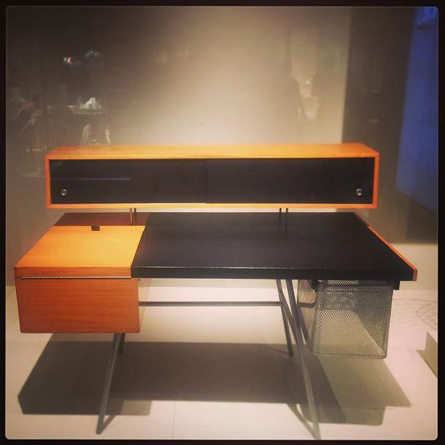 I really want this desk  #atROM
